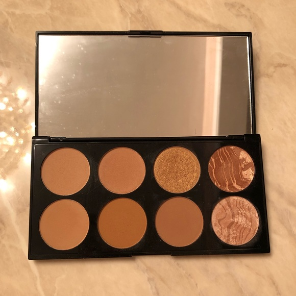 Makeup Revolution Other - Makeup Revolution Bronzer Palette
